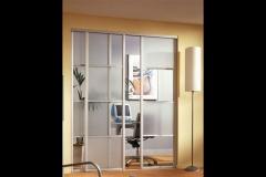 Schiebetüranlage mit Alurahmen und Glasfüllungen (DM-Line)