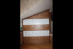 Schubkastenschrank unter Dachschräge, Holzart: deckend weiss lackiert/ Zebrano Echtholz